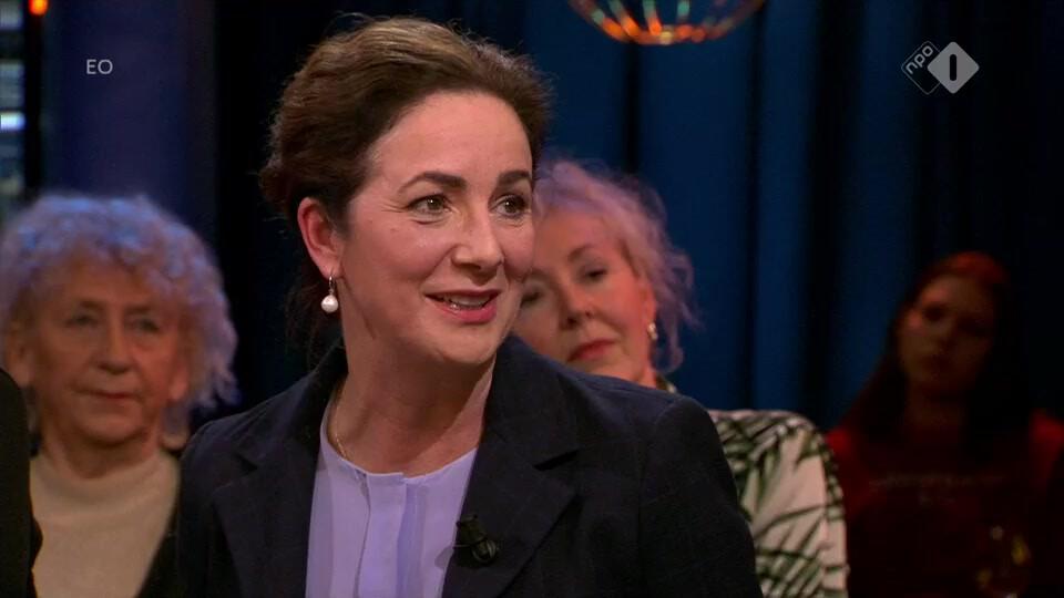 Burgemeester Femke Halsema lanceert campagne #JijStaatNietAlleen tegen seksuele intimidatie op straat en online