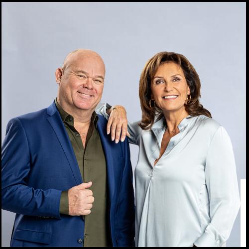 Paul de Leeuw en Astrid Joosten