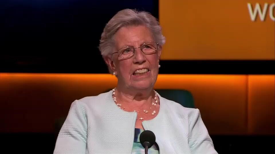 Annie Sinoo-Van der Sluis (86) raakte door babbeltruc 18.000 euro kwijt en is niet de enige volgens cybercrimedeskundige Inge Bryan